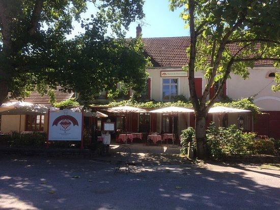 restaurant bistrot de port lesney dans port lesney avec cuisine fran 231 aise restoranking fr