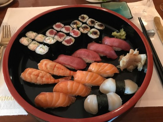 Umkirch, เยอรมนี: Eine Sushi-Platte nach meinem Geschmack von Sushi-Meister Yuichi Kusakabe