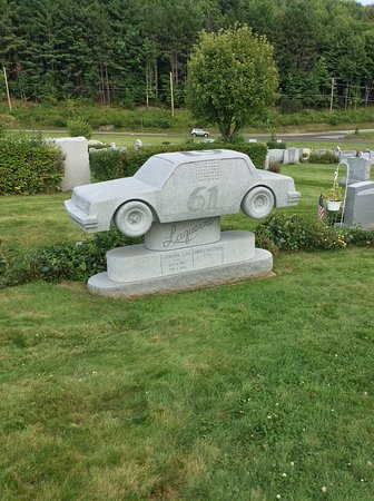 Barre, VT: Car memorial