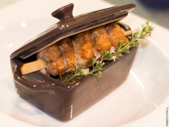 Mirmande, França: cassolette de ravioles brochette de filets de caille de la Drôme