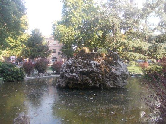 Piccolo parco senza attrattive particolari recensioni su - Giardini particolari ...