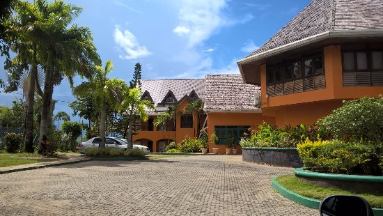 Salybia Nature Resort & Spa: Front View of the Resort