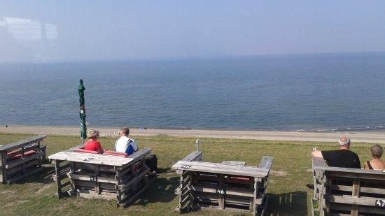 Huisduinen, Holandia: Terras aan zeezijde