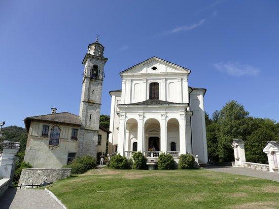 Madonna del Sasso, Italy: Die Kirche