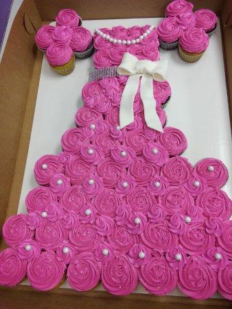 New Hartford, NY: Custom Pull-apart cupcake cake