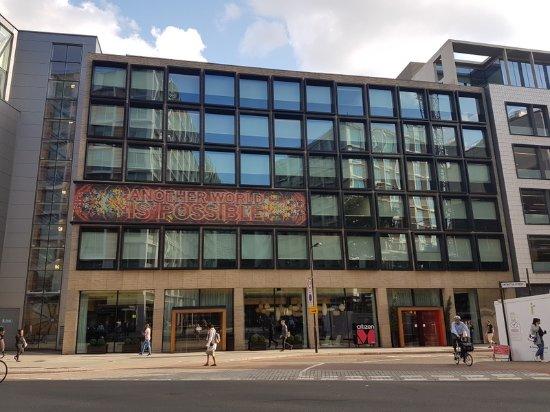citizenM London Bankside: Exterior near Tate Modern