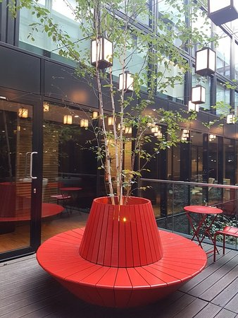 citizenM London Bankside: First floor break out space