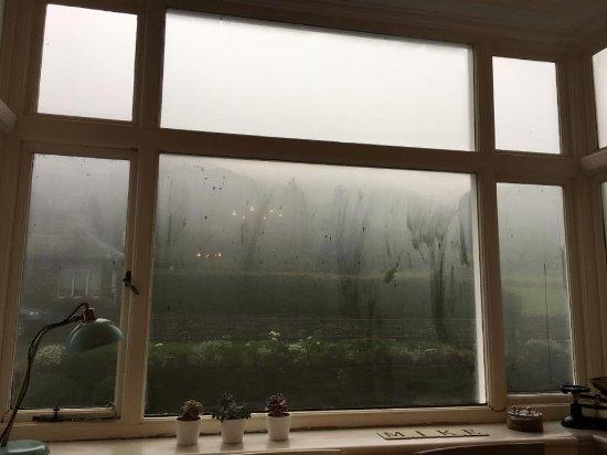 Chestnut Villa: Breakfast view