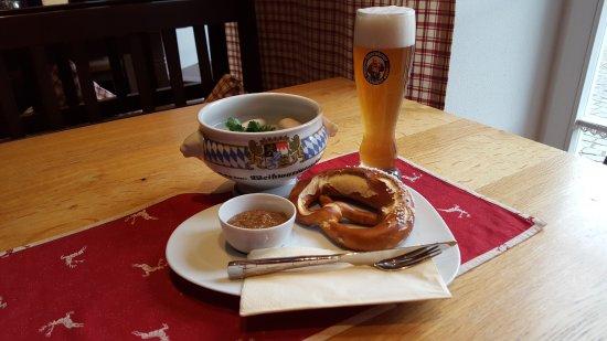 Wirtshaus im Oberbräu: Bayrisches Frühschoppen