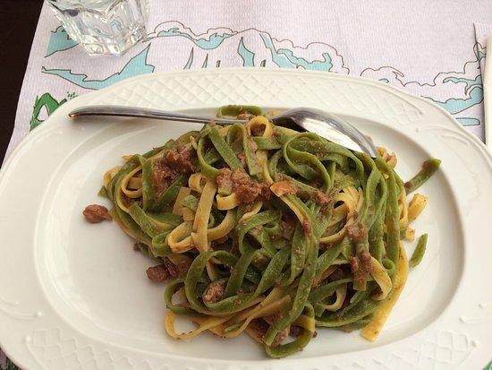 Ristorante baita scoiattolo in belluno con cucina italiana for Mangiare in piani di cucina