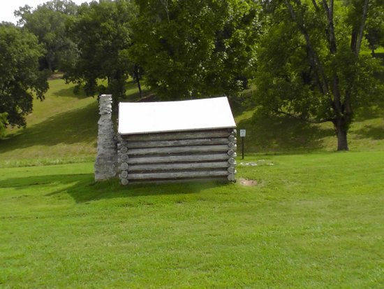 Dover, TN: Restoration of CSA barracks at Ft. Donelson