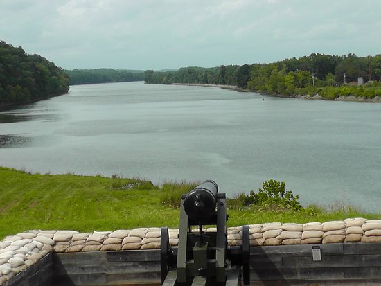 Dover, TN: The view of the Cumberland where CSA artillery defeated the Union gunboats