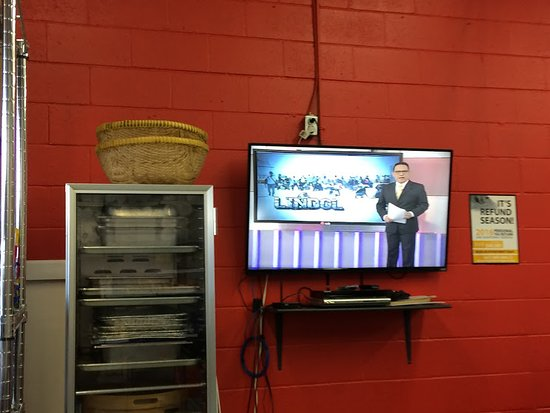 Ajax, Canada: Local TV news while waiting for order
