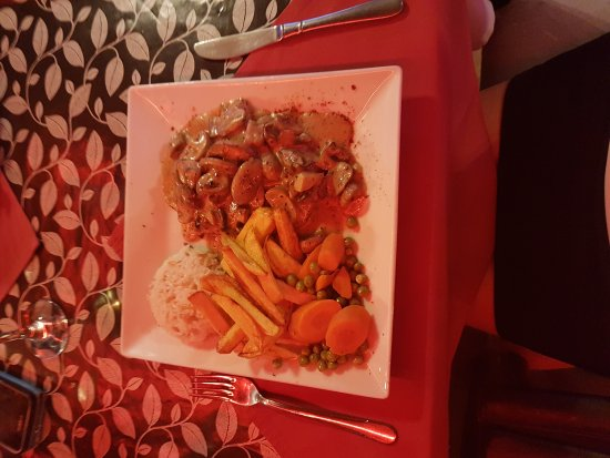 Uncle Fester's Restaurant & Bar: Food presentation and aroma was mouth watering Taste was Delicious