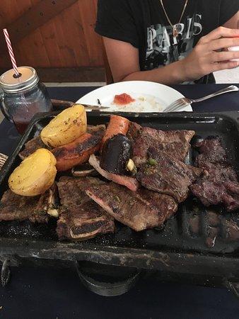 Luna Gaucha: Стейки из говядины. Оказались очень вкусными