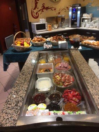 Hotel Lou Mistralou: Petit déjeuner