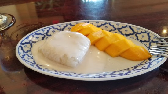 Bangkok Golden: Mango with Sticky Rice