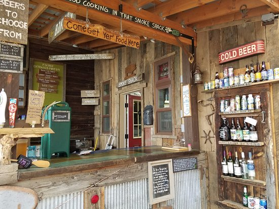 Emigrant, MT: Walk up outdoor counter service