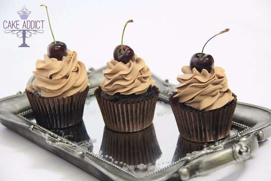 ‪‪St Cyrus‬, UK: Chocolate cupcakes with cherries‬