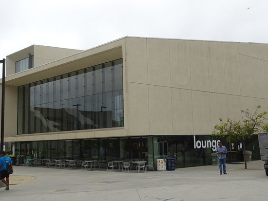 University of California San Diego: Building on Campus