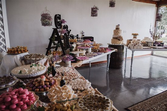 Hacienda- Hosteria Chorlavi: Wedding dessert table