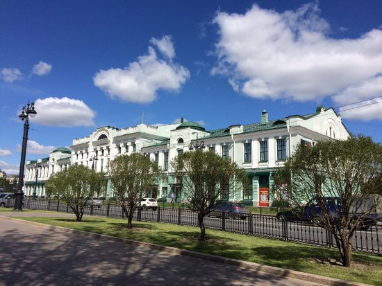 ‪The Omsk Regional Museum of The Fine Arts‬