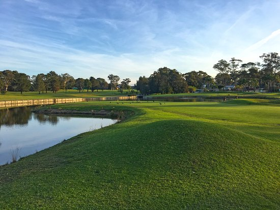 Sanctuary Point, Australia: 18 Hole Golf Course