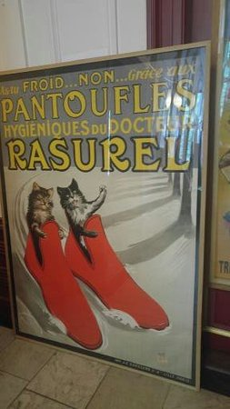The Cat Cabinet : afiche de publicidad con gatos