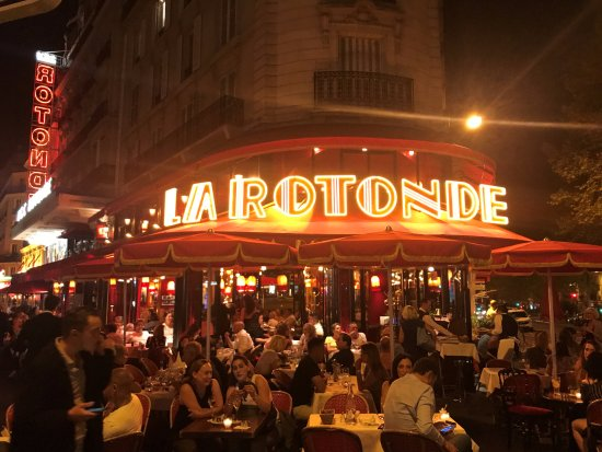 La Rotonde: Exterior / Eat inside for a more formal experience