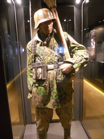 December 44 Historical Museum : German trooper in camouflage