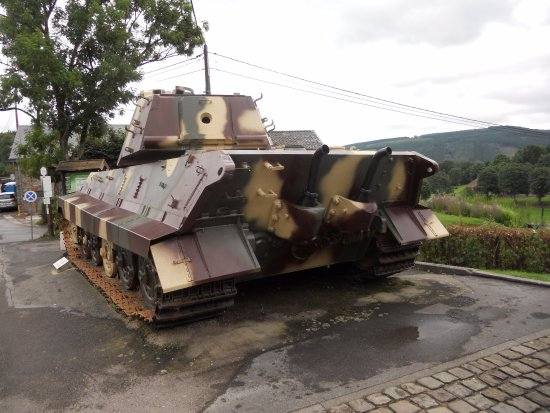 La Gleize, Bélgica: The back of the King Tiger tank, a massive beast