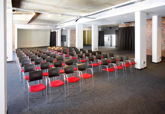 Protea Hotel Fire & Ice! by Marriott Cape Town: Conference Room – Theater Setup