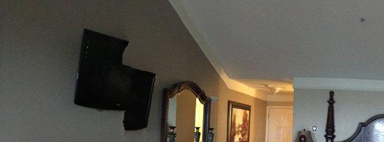 North Cliff Hotel: Room very upscale furnishings wonderful bed !!! Sleep like a baby