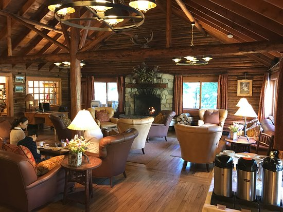 Jenny Lake Lodge: Main Living room of Main Lodge