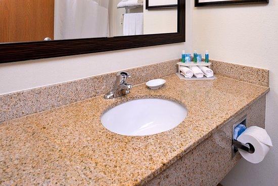 Lititz, PA: Guest Bathroom