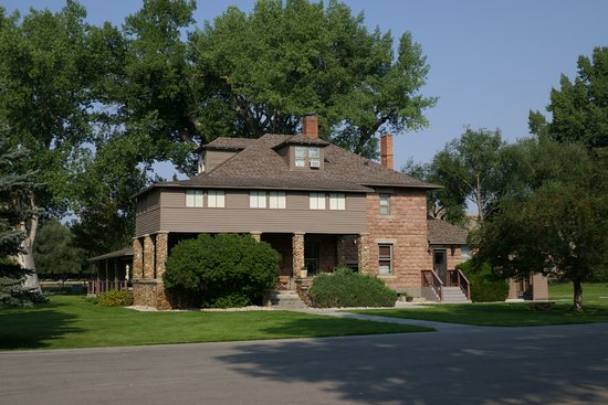 Clearmont, WY: Main building