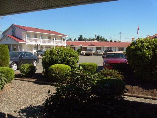 Rainbow Motor Inn: 幹線道路から奥の方だったので思ったよりも静か