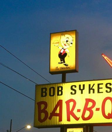 Bessemer, AL: Old sign.