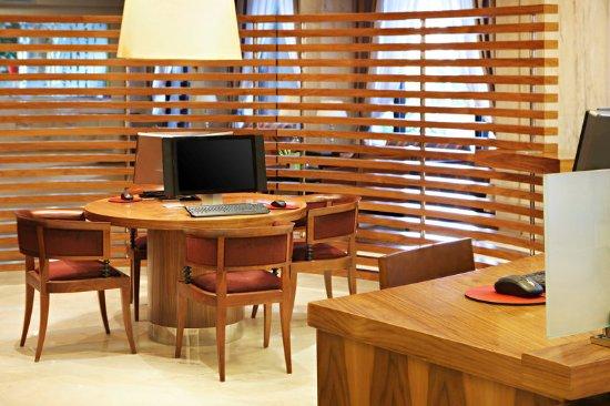 Sheraton Riyadh Hotel & Towers: Lobby