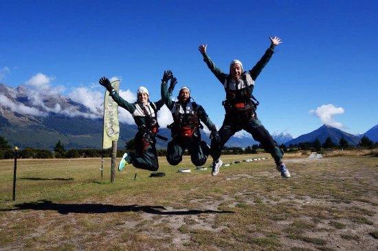 Skydive Paradise: group shot