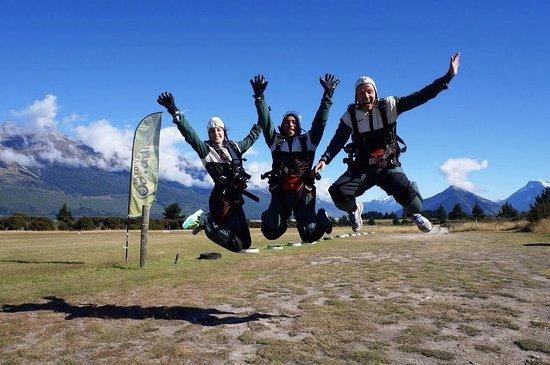 Skydive Paradise: group shot 2