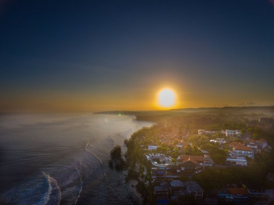 As the sun rises above the island of the gods, Blue Point Bay Villas & Spa faces the Indian Ocea