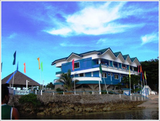 Blue Corals Beach Resort: th hotel view from the boat