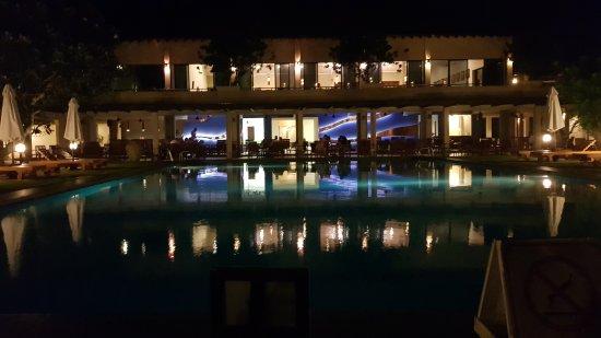 Hotel Mermaid & Club: 20170825_215523_large.jpg