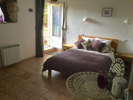 Sainte-Soline, Francia: Tournesol bnb room