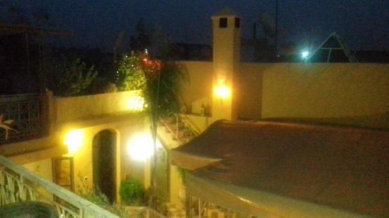 Riad Dar Khmissa Marrakech : 20170812_204652_large.jpg