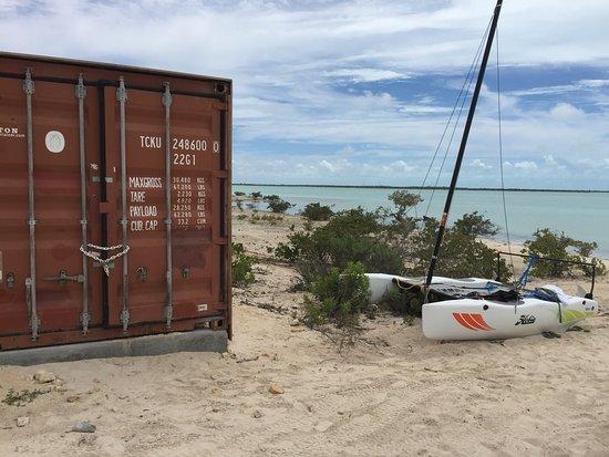 South Caicos: Beach and bay