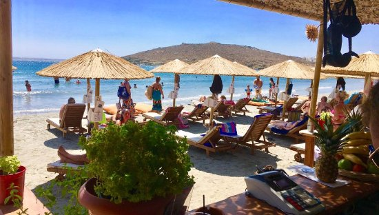 Porto Raphael Residences & Suites: Agios Ioannis beach