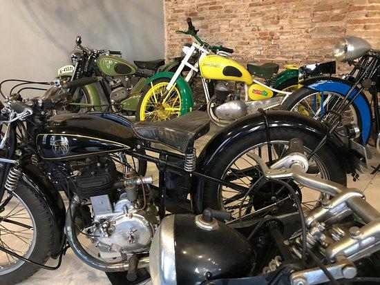Retro Auto Moto Museo