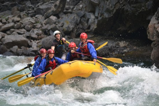 Liquid Lifestyles Whitewater Rafting : A great group.
